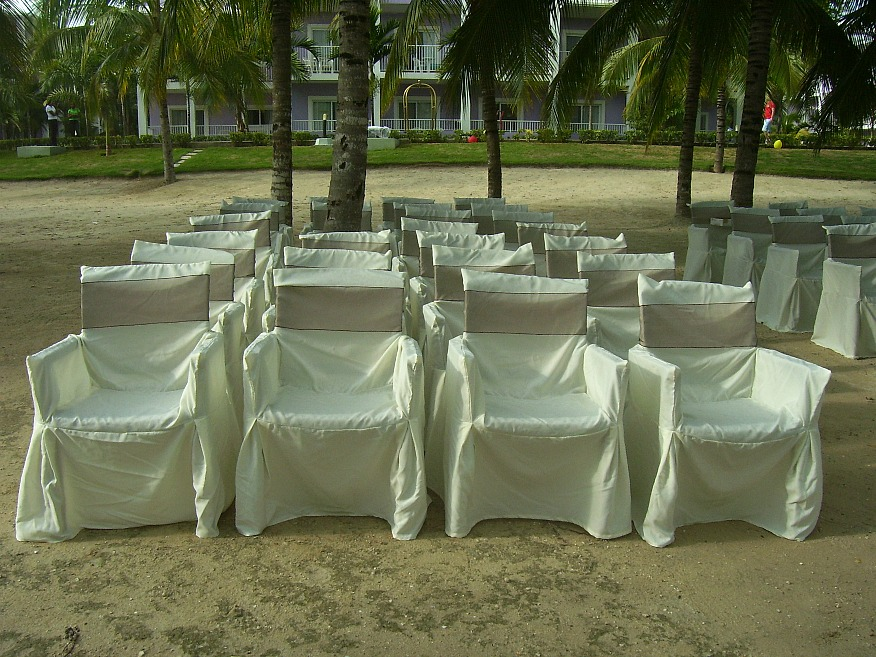 Beach Wedding in Jamaica. http://www.jamaica-reggae-music-vacation.com/Jamaica-Wedding-And-Honeymoon-Packages.html