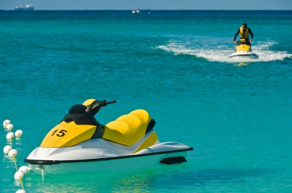Jet Skiing, https://www.jamaica-reggae-music-vacation.com/Negril-Jamaica-Activities.html