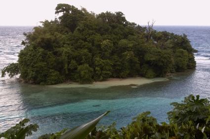 Navy Island, Port Antonio, https://www.jamaica-reggae-music-vacation.com/Port-Antonio-Marina.html