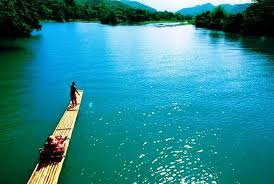 Rafting on the Rio Grande, https://www.jamaica-reggae-music-vacation.com/Port-Antonio-Vacations.html