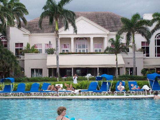 http://www.jamaica-reggae-music-vacation.com/Port-Antonio-Hotel.html