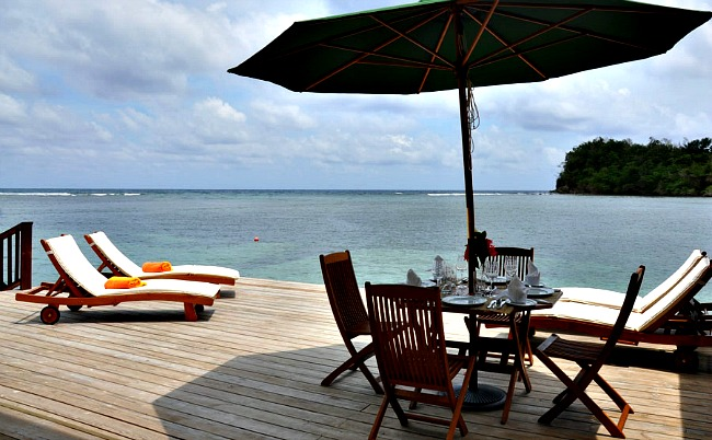 https://www.jamaica-reggae-music-vacation.com/Port-Antonio-Villa.html, Avalon Villa private ocean deck