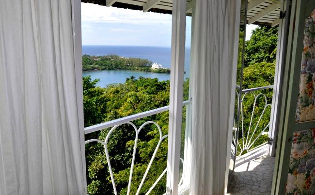 http://www.jamaica-reggae-music-vacation.com/Port-Antonio-Villa.html
