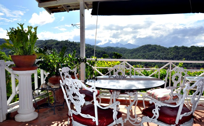 https://www.jamaica-reggae-music-vacation.com/Port-Antonio-Villa.html, The Fan Villa balcony