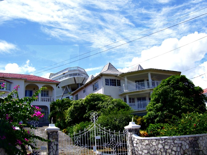 https://www.jamaica-reggae-music-vacation.com/Jamaica-Property.html, Homes in Jamaica
