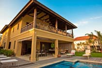 Thumb Villa in Montego Bay, https://www.jamaica-reggae-music-vacation.com/Villas-Montego-Bay.html