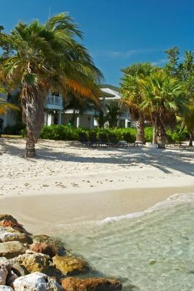 https://www.jamaica-reggae-music-vacation.com/Hotels-In-Montego-Bay-Jamaica.html, Beach at Half Moon Hotel, Montego Bay
