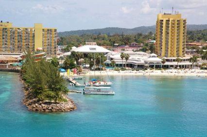 http://www.jamaica-reggae-music-vacation.com/hotels-in-jamaica.html