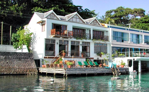 http://www.jamaica-reggae-music-vacation.com/Port-Antonio-Villas.html